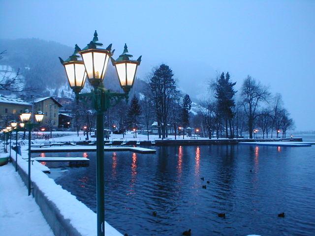 lucerny veřejného osvětlení v zimě.jpg